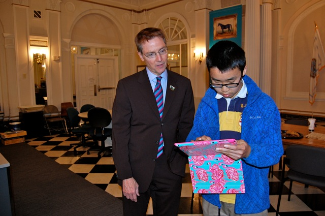 Tian and Mayor Jim Gray